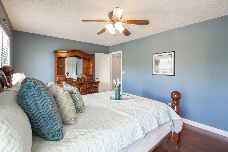 apartment-bed-bedroom-1501272.jpg